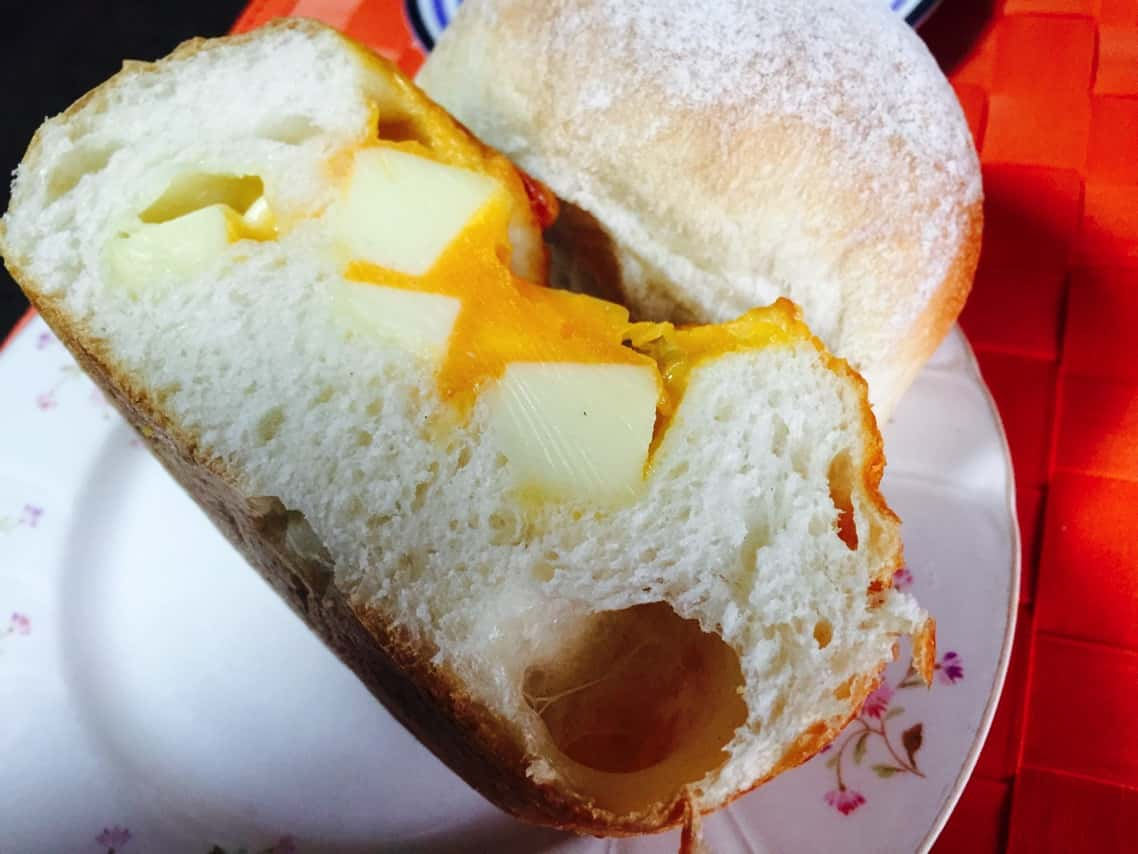 アンデルセン チェダーチーズパン