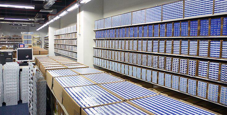レンズゼロの倉庫