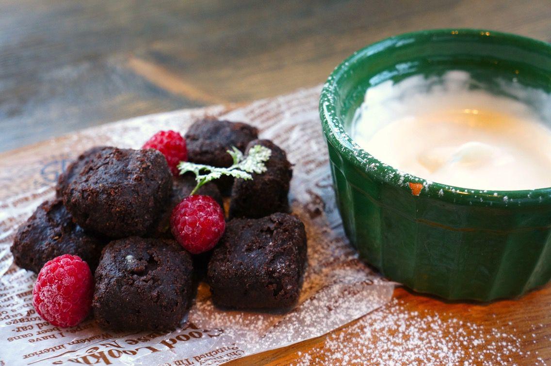 トモズカフェ チョコレートブラウニー