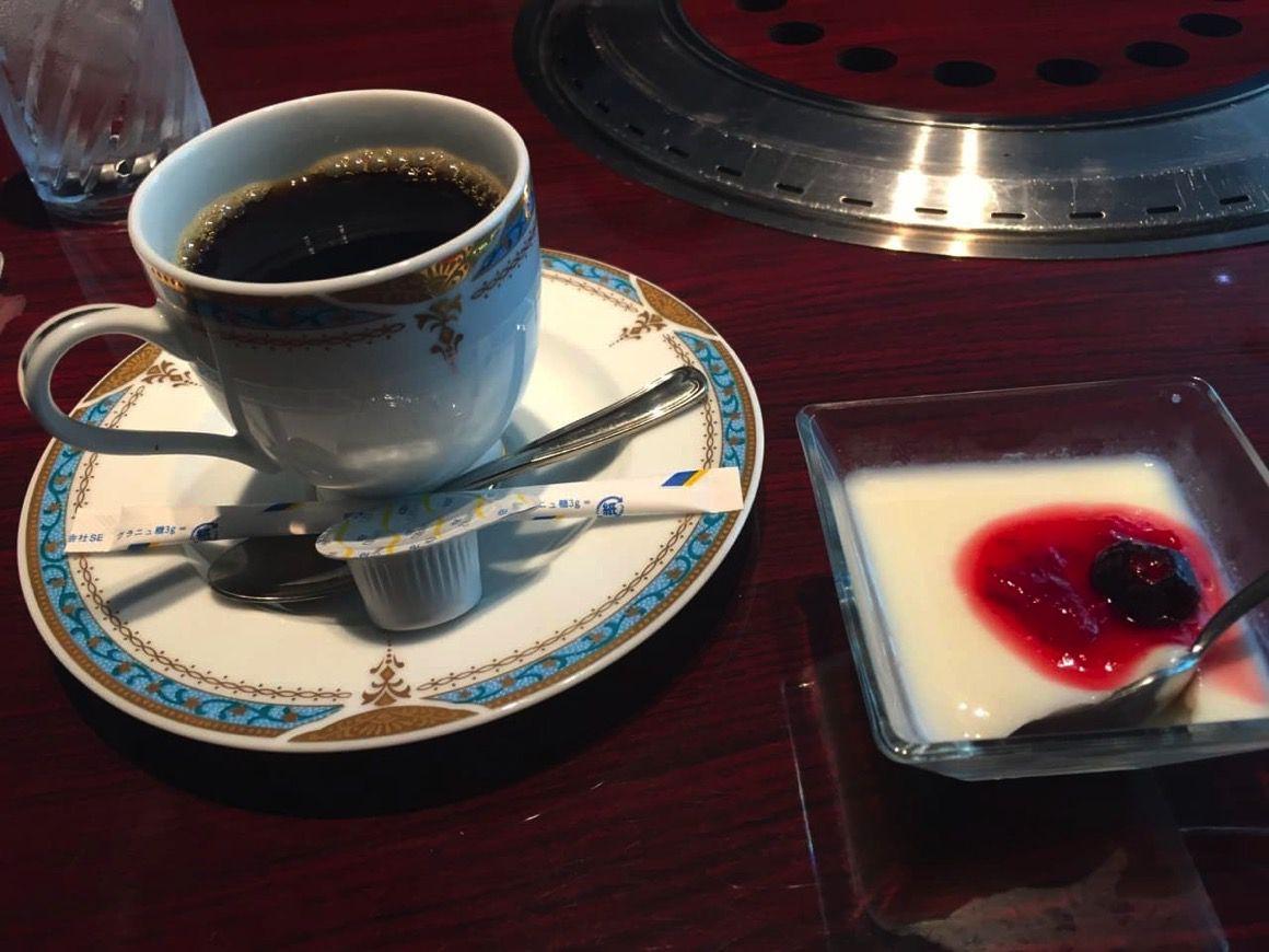 食後のデザートとコーヒー