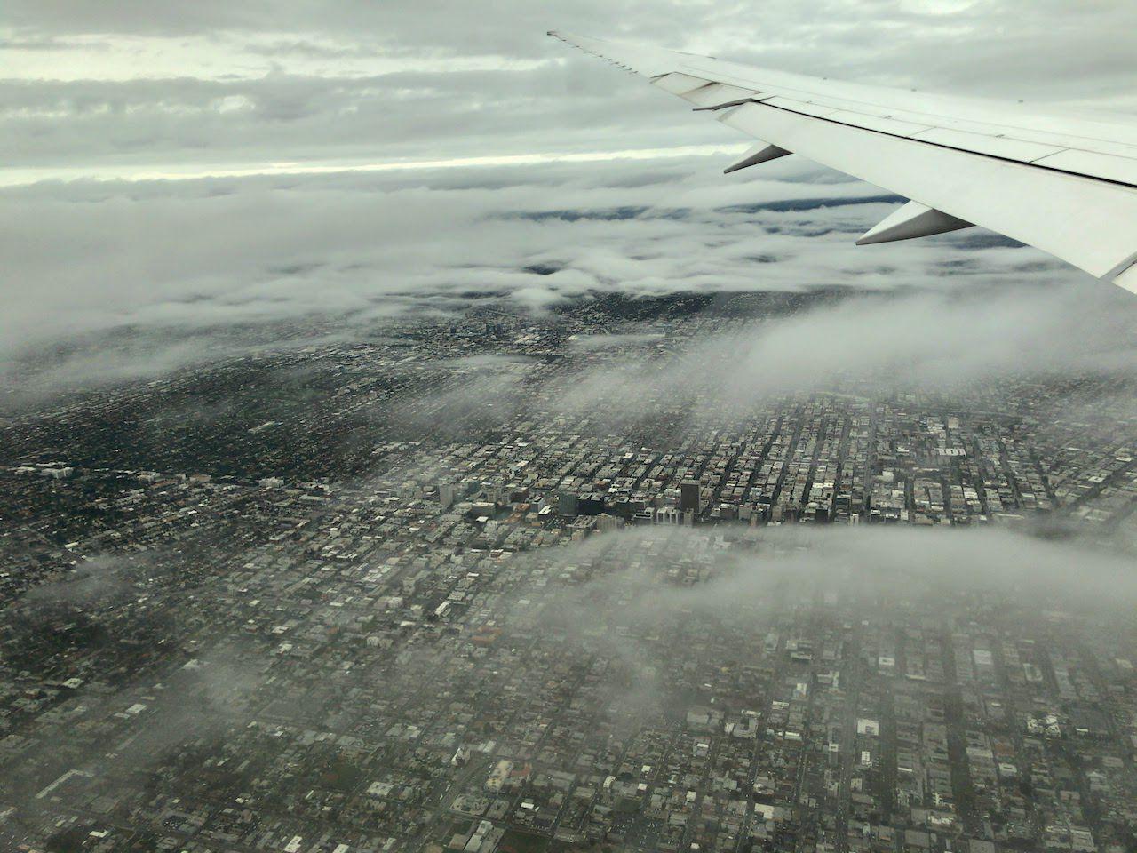 飛行機の中からのロサンゼルス